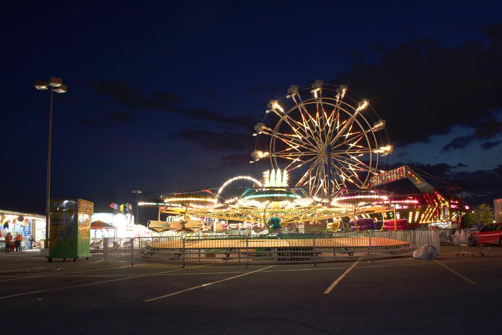 Newtonian Carnival: Ride Lights at Night - Jordan Ladikos